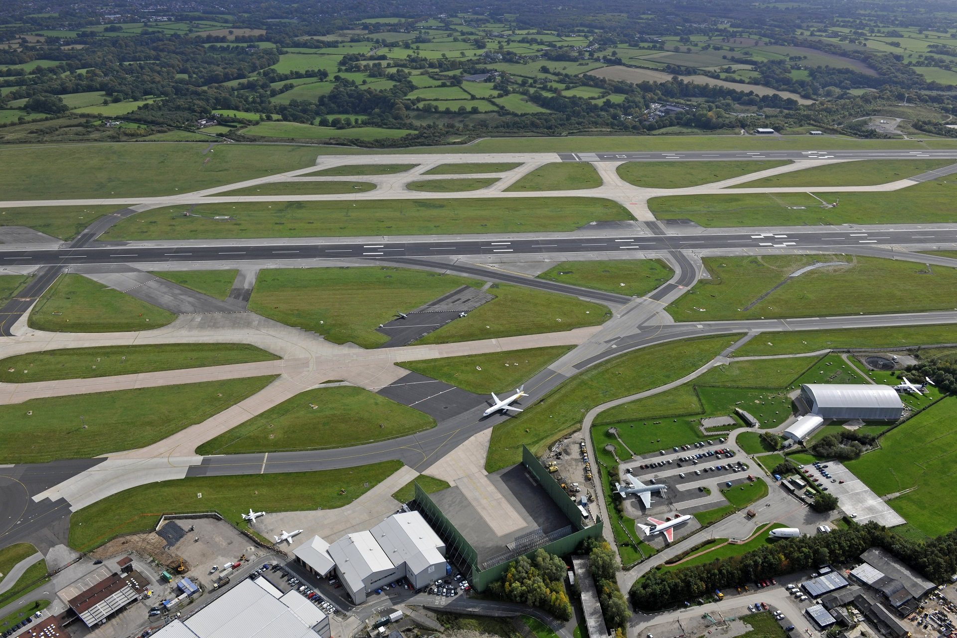 Environment manchester airport environmental management kristyandbryce Images
